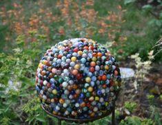 boule de bowling avec billes - déco jardin