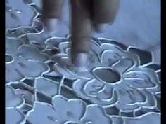 (76) FALSO RECHILIEU/OU RECHILIEU COM TINTA  FONE PARA CONTATO 11 964485304 TIM - YouTube Stencil Fabric, Fabric Painting, Stencils, Hardanger Embroidery, Machine Embroidery, Drawn Thread, Cut Work, Painting Videos, Irish Crochet