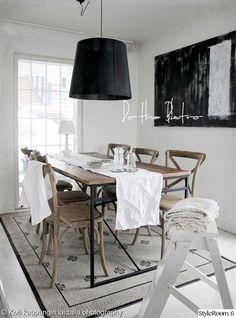 ruokailutila,keittiö,ruokapöytä,ruokailuryhmä,matto