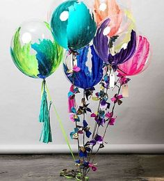 Check out these beautiful hand painted balloons by @unelefante. We would have so much fun making these for our next event. See this Instagram photo by @soniasharmaevents • 399 likes: