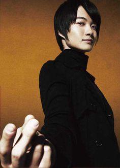 神木隆之介 Gyaru Fashion, Nihon, Great Movies, Beautiful Boys, Male Models, Hairstyle, Entertaining, Mens Fashion, Actors