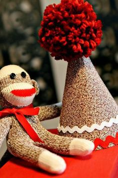 sock monkey birthday hat_step12b.jpg