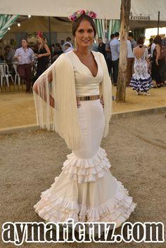 Flamencas en la Feria de Lebrija 2015 68 Diy Fashion, Womens Fashion, Spanish Fashion, Fishtail, Modest Dresses, Dress To Impress, Flamenco Dresses, Bridesmaid, Prom