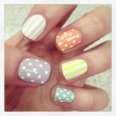 betzie_ @ Instagram: Dots and Stripes Nail Art