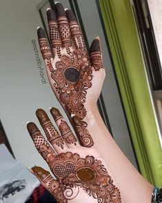 Mehandi Designs For Front Hands You Must Try - Mehandi Designs Round Mehndi Design, Palm Mehndi Design, Mehndi Designs For Girls, Mehndi Designs 2018, Modern Mehndi Designs, Mehndi Designs For Fingers, Wedding Mehndi Designs, Mehndi Design Pictures, Beautiful Henna Designs