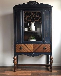 Painted and stained China Cabinet Makeover - upcycling möbel - Furniture Refurbished Furniture, Repurposed Furniture, Shabby Chic Furniture, Rustic Furniture, Furniture Makeover, Cool Furniture, Furniture Stores, Furniture Vintage, Outdoor Furniture