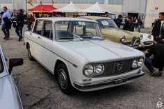 #Lancia #Fulvia #Berline au salon Auto e Moto d'Epoca de Padoue Reportage :  http://newsdanciennes.com/2015/10/27/grand-format-auto-e-moto-depoca-a-padoue/ #ClassicCar #Vintage #Voiture #Ancienne