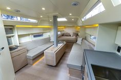 Advanced 44 - Minimalist, open-plan saloon provides plenty of lounging space