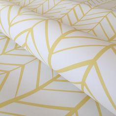 stand out from the crowd and bring life to your walls with our Zig Zag design in yellow.