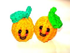 Happy Orange Tutorial by feelinspiffy (Rainbow Loom) Rainbow Loom Patterns, Rainbow Loom Creations, Rainbow Loom Bands, Rainbow Loom Charms, Crazy Loom Bracelets, Rainbow Loom Bracelets, Loom Love, Fun Loom, Rainbow Loom Storage