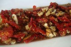 Çeşnili Kuru Do mates Turkish Salad, Turkish Recipes, Ethnic Recipes, Good Food, Yummy Food, Iftar, C'est Bon, Bruschetta, Food Art