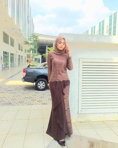 Image may contain: 1 person, standing and outdoor… – Hijab Fashion 2020 Kebaya Modern Hijab, Model Kebaya Modern, Kebaya Hijab, Kebaya Dress, Kebaya Muslim, Muslim Dress, Hijab Prom Dress, Hijab Gown, Hijab Style Dress