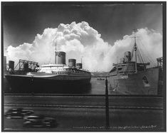 photo of NORMANDIE & QUEEN MARY at New York [dock] Sept. 15, 1939