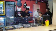 Honduras: Alimentos vencidos y otros hallazgos durante operativos en negocios Las inspecciones permitirán identificar a los propietarios de establecimientos o negocios que incumplen con lo dispuesto en la Ley y no se descartan acciones penales por parte del MP. Los fiscales inspeccionan que los alimentos a la venta se encuentren en perfecto estado (Foto: MP/ El Heraldo Honduras/  Noticias de Honduras)