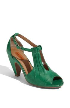 1940's shoes in emerald