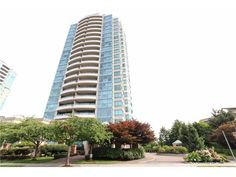 PANORAMIC VIEWS from this 2 Bed 2 Bath condo in CONCRETE highrise featuring HUGE 190sqft balcony - 502-6659 Southoaks Crescent, Burnaby