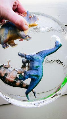 Dino's uit de ijstijd- dinosaurs- diy- diy kids- diy boys- diy ice- ijs winter- http://www.mylucie.com