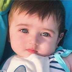 Cute Baby Boy Photos, Cute Baby Twins, Cute Little Baby Girl, Cute Kids Pics, Cute Baby Videos, Baby Girls, Cosplay Kids, Cute Baby Girl Wallpaper, Cute Baby Costumes