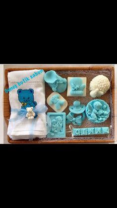Butik sabun Baby Favors, Baby Shower Favors, Homemade Soap Bars, Homemade Business, Soap Display, Soap Packaging, Soap Molds, Home Made Soap, Handmade Soaps