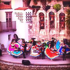 Fiesta San Antonio!  Arneson River Theatre at the bend of the San AntoniomRiver.