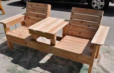 Outdoor Furniture Pallet How to Build a Double Chair Bench with Table – Free Plans - DIY Inspiration for the Average DIY'er Outdoor Furniture Plans, Outside Furniture, Pallet Furniture, Furniture Projects, Home Projects, Outdoor Projects, Furniture Stores, Pallet Projects, Furniture Design