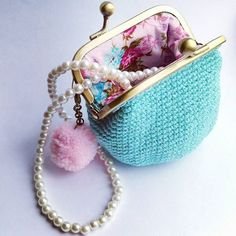 Cochet coin purse. Can be used as a jewelry storage ❤  #jewelrycase #coinpurses #wallet  #pompom #vintagestyle #cute #retrostyle #fun #giftideas #vintagelove #pominstagram #staybeautiful #handmade #jewelrylove #pearls #pink #santtuqs