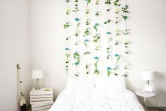DIY Flower Wall Headboard http://sweetteal.com/2016/07/diy-flower-wall/