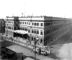 Railway Station, Adderley Street, Cape Town c1910 Old Pictures, Old Photos, Cities In Africa, Cape Town South Africa, Most Beautiful Cities, Old Buildings, African History, Live, The Good Place