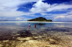 Kids fishing, with Kri Island in the background Raja Ampat Islands, Archipelago, Some Pictures, Underwater, Free People, Fishing, Earth, Mountains, Kids