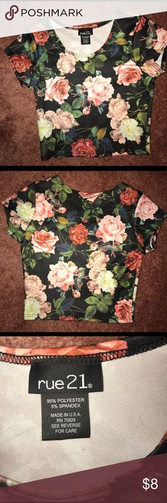Floral crop top A thick material floral crop top from rue 21 size xsmall worn once Rue 21 Tops Crop Tops