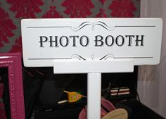 old fashioned photo booth sign