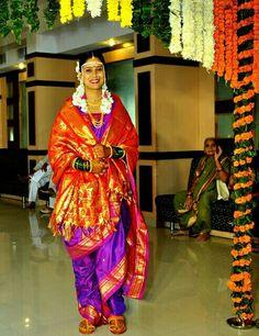 Fulfill a Wedding Tradition with Estate Bridal Jewelry Marathi Saree, Marathi Bride, Marathi Wedding, Saree Wedding, Wedding Bride, Kashta Saree, Nauvari Saree, Indian Classical Dance, Saree Shopping