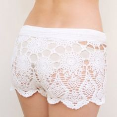 Prepare you to the summer season! crochet beach shorts are for you.