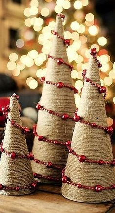 Best Alternative Christmas Tree Ideas - Christmas Celebration - All about Christmas Classic Christmas tree is a very good idea for Christmas, but sometimes we crave for something different, unusual and modern. Noel Christmas, Rustic Christmas, All Things Christmas, Winter Christmas, Christmas Ornaments, Burlap Christmas Tree, Xmas Trees, Christmas Projects, Holiday Crafts