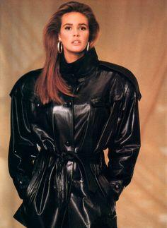 Elle Macpherson #Australia #celebrities #ElleMacpherson Australian celebrity Elle Macpherson loves http://www.kangadiscounts.com