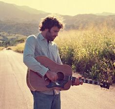 The spectacular folk rock by Jack Johnson in South Florida - Come to Saint Augustine and be part of the Jack Johnson show this May 20. Rent Miami airport sedan service of Transmiami for your best transfer. #miamiairportsedan   #jackjohnson   #southflorida