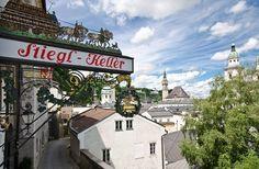 Sie sind auf der Suche nach einer Spezialführung durch die Salzburger Altstadt? Vielleicht trifft die Spezialführung Österreichische Kaffeehauskultur, oder die Spezialführung Bierwanderung in der Salzburger Altstadt genau Ihren Geschmack. Austria, Flora, Broadway Shows, Dinner, Hotels, Beer Garden, Old Town, Viajes, Searching