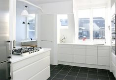 Scandinavian Kitchen Design Ideas, Pictures, Remodel and Decor