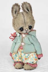 Bunny Annie By Lyubov Kayutkina - Bear Pile Tatty Teddy, Needle Felted Animals, Felt Animals, Ours Boyds, Teddy Toys, Rabbit Toys, Cute Teddy Bears, Funny Bunnies, Bear Doll