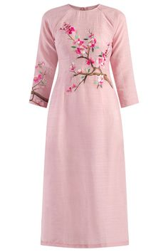 Fabric Paint Shirt, Fabric Paint Designs, Hand Embroidery Dress, Kurta Designs Women, Painted Clothes, Ao Dai, Traditional Dresses, Designer Dresses, Cold Shoulder Dress