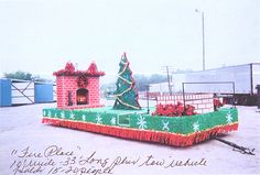 Christmas parade float ideas - fireplace float                                                                                                                                                                                 More