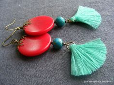 Boucles d'Oreilles Bohèmes Pompons Turquoise et Rouge