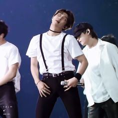 This is so sexy. Namjoon, Taehyung, K Pop, Sexy Gif, About Bts, Bulletproof Boy Scouts, Bts Group, Moon Child, Rap Monster