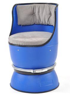 plastic barrel chair/    plastic barrel, plywood, rubber edge, soft seat, metal connectors