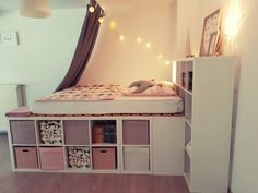 Wir haben in den letzten Tagen den Traum unserer Tochter verwirklicht :-) Heute . We have realized the dream of our daughter in the last days :-] Today I show you how you can build a great half-high Ikea Kallax Shelf, Ikea Kallax Regal, Dream Rooms, Dream Bedroom, Girls Bedroom, Diy Room Decor, Bedroom Decor, Home Decor, Ikea Deco