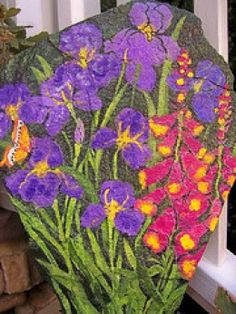 Learn how to paint rocks! Painted Garden Rocks, Painted Rocks Kids, Painted Stones, Garden Painting, Garden Art, Dream Garden, Stone Painting, Rock Painting, Painting Flowers