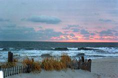 Avalon, New Jersey Places Around The World, Around The Worlds, New Jersey Beaches, Nj Shore, Avalon Beach, Beautiful Beaches, Beautiful Scenery, Vacation Spots, Sunrise