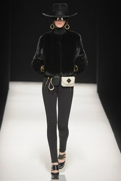 Moschino Fall 2012 Ready-to-Wear Fashion Show - Katlin Aas