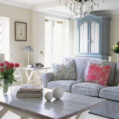 Country Living Rooms | blue lilac white romantic country living room: