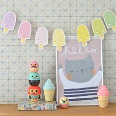 En 1 geste, décorez la chambre de votre enfant grâce à cette  guirlande-glaces de A Little Lovely Company ! Bientôt disponible sur Womb